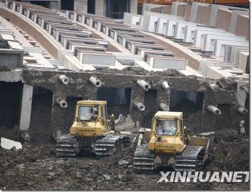 20090628-building-collapse-10