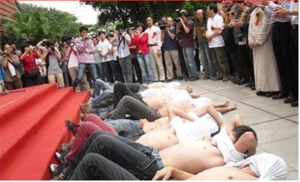 20110528-protest-speech-02.png